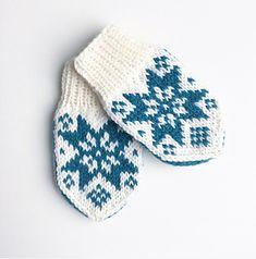 Ravelry: Sonja-votten pattern by Tonje Haugli Kids Knitting Patterns, Knitting Charts, Knitting For Kids, Baby Patterns, Knitting Projects, Norwegian Knitting, Baby Barn, Knit Mittens, Baby Crafts