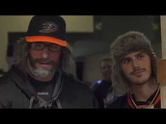 Ryan Kesler goes undercover as Anaheim Ducks fan during preseason game (Video) | Puck Daddy - Yahoo Sports Canada