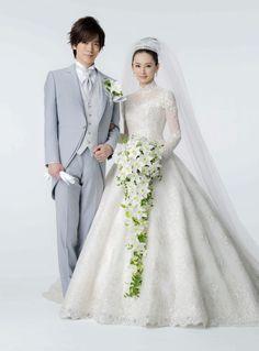 歌手DAIGO(38)女優北川景子(29)夫妻が29日、都内で挙式を行い、東京・グランドプリンスホテル新高輪で披露宴を行った。1月11日に結婚した2人は約500人… - 日刊スポーツ #DAIGO #北川景子
