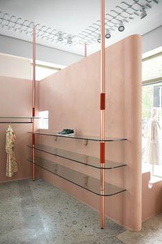 Imarika Fashion Store in Milan by Marcante-Testa Architecture Restaurant, Interior Architecture, Interior Design, Tienda Pop-up, Milan Boutique, Pastel Interior, Regal Design, Design Design, Retail Interior