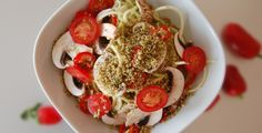 The Globla Girl Raw Vegan Recipes: Zucchini pasta with dairy-free raw vegan parmesan and mushroom, tomato and sweet pepper.