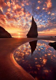 The Wizards Hat, Bandon, Oregon. The Wizards Hat, Bandon, Oregon. Beautiful Sunset, Beautiful World, Beautiful Places, Beautiful Pictures, Amazing Places, Amazing Things, Beautiful Morning, Beautiful Scenery, Beautiful Horses