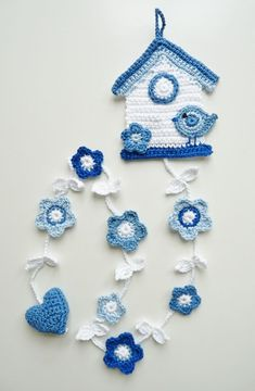 TeenyWeenyDesign: Delft bird house-- my mom would have done something like this