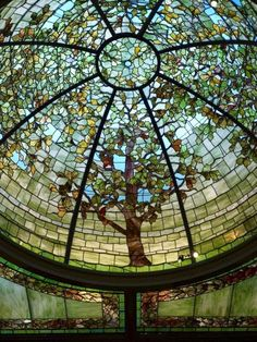Stained glass dome in the library of the Nickerson Mansion, Chicago, Illinois, USA. Leaded Glass, Beveled Glass, Mosaic Glass, Mosaic Art, Stained Glass Designs, Stained Glass Art, Stained Glass Windows, Beautiful Architecture, Beautiful Buildings