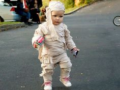 Earlewood 2011 Trunk or Treat - Great Kids Halloween Costume Ideas (Mummy)!