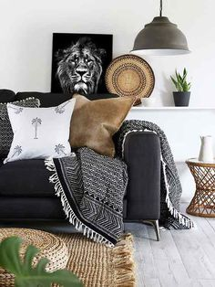 Black Living Room Sofas, how to decorate a living room with a black leather sofa myiend feniaom lo. Black Sofa Decor, Black Sofa Living Room Decor, Black And White Living Room, Boho Chic Living Room, Living Room Sectional, Bohemian Living, Living Rooms, Bohemian Style, Living Room Decor Accessories