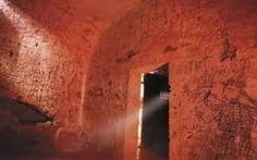 VIAGGIO NEI MISTERI DI NARNI SOTTERRANEA Narni Sotterranea è uno dei più affascinanti luoghi medievali italiani. Scoperta negli anni '70 Narni Sotterranea è diventata luogo di incontri culturali alla scoperta dei sotterranei della suggestiv #narni #misterinarni