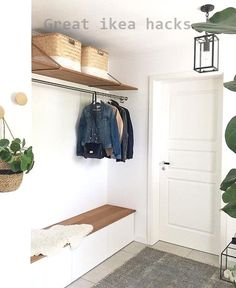 6 practical IKEA hacks for the hallway Knock Knock. And where do you stand first? Well, in the hallway, of course! The room that welcomes you into your home. To make it more beautiful, we have. Ikea Closet Hack, Closet Hacks, Hallway Decorating, Entryway Decor, Entryway Bench, Decorating Ideas, Ikea Hacks, Diy Hacks, Small Hallways