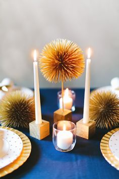 DIY starburst centerpiece, photo by Emily Chidester Photography http://ruffledblog.com/diy-starburst-centerpiece #diyideas #diyproject #centerpieces