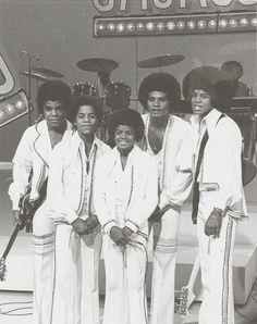 The Jackson 5 (L-R Tito Jackson, Marlon Jackson, Michael Jackson, Jackie Jackson, Jermaine Jackson)