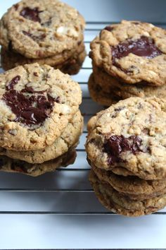 don't even know what these are but they look awesome http://www.blueeyedbakers.com/home/2011/5/30/gramercy-taverns-cashew-chocolate-chip-crisps-a-winner.html