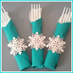 12 Disney Frozen Olaf Inspired Snowflake Napkin Rings With Silverware by RibbonsAndBowties