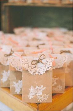 Rustic Wedding DIY rustic wedding favors with paper bags Wedding Favors And Gifts, Rustic Wedding Favors, Rustic Weddings, Wedding Ideas, Party Favours, Diy Wedding Souvenirs, Herb Wedding, Wedding Flowers, Cookie Wedding Favors
