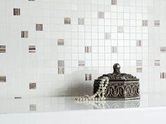 Silvia / Silvio - płytki łazienkowe z grafiką kwiatową - Ceramika Paradyż
