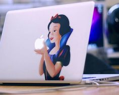 Snow White Macbook Decal love this great idea Disney Love, Disney Magic, Disney Disney, Snow White Pictures, Funny Inventions, Amazing Inventions, Snow White Apple, Macbook Decal Stickers, Mac Decals