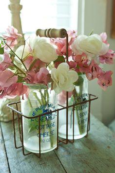 bouteilles vintage ,couleur rose et blanc