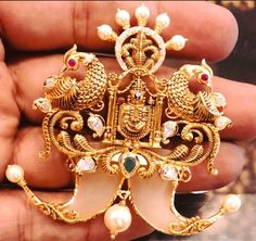 balaji pendant with tiger nails Mens Gold Jewelry, Gold Jewelry Simple, Golden Jewelry, Trendy Jewelry, Diamond Jewelry, Gold Ring Designs, Gold Earrings Designs, Gold Jewellery Design, Necklace Designs