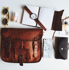 """Unsere Handtasche Emilia 10"""" ist eine absolute natürliche Schönheit. Die Umhängetasche ist für jeden Anlass geeignet. Gusti Leder - H9"""