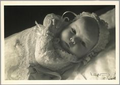 Picture postcard of Princess Beatrix in her christening gown : May 1938