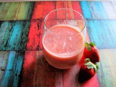 Skinny Muffin: Mango Strawberry Tahini Smoothie