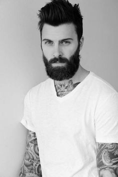 Cute short and full beard styles for men are changing rapidly and gaining lot of importance in the male society. Full beard style is the most popular trend Beards And Mustaches, Moustaches, Great Beards, Awesome Beards, Beard Styles For Men, Hair And Beard Styles, Bart Tattoo, Bart Styles, Stylish Beards