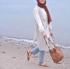 long pastel tunic sporty hijab- Chic hijab outfits from instagram…