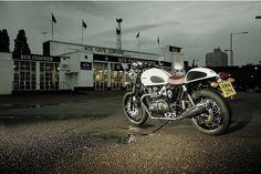 Triumph anuncia lançamento da edição especial Thruxton Ace