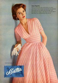 Suzy Parker wearing Anne Fogarty / Bates 1952