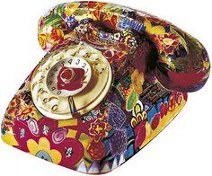 Decoupage Craft with Paper Decoupage Glue, Decoupage Furniture, Decoupage Vintage, Cool Furniture, Recycling Furniture, Decoupage Ideas, Retro Phone, Vintage Phones, Fabric Handbags