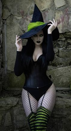 Dark Beauty, Goth Beauty, Vaquera Sexy, Hot Goth Girls, Steampunk Cosplay, Looks Street Style, Bettie Page, Fantasy Girl, Best Cosplay