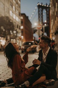 This kind of photo is genuinely an exceptional design principle. Engagement Couple, Engagement Pictures, Engagement Shoots, Urban Engagement Photos, Relationship Goals Pictures, Cute Relationships, Couple Posing, Couple Shoot, Cute Couples Goals
