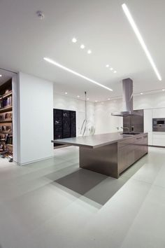 Kitchen ceiling ideas became one of the essential things to decor. Kitchen Interior, Home Interior Design, Interior Architecture, Interior And Exterior, Kitchen Decor, Ceiling Light Design, Lighting Design, Ceiling Ideas, Linear Lighting