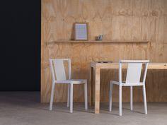 Beth, scaun de terasă din polipropilenă, cu structură de rezistență din fibră de sticlă. Finisaj mat. Culori disponibile: alb, verde măslină, nisipiu, cafeniu, bej și roșu. Se pot suprapune mai multe scaune, pentru depozitare și transport. Mai, Divider, Table, Furniture, Home Decor, Green, Decoration Home, Room Decor, Tables