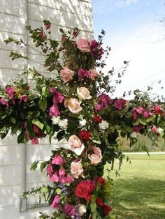 Rose Cross... oh I need to do this.  Would look pretty in my angel garden!