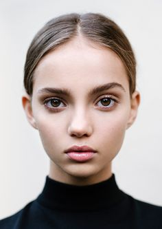 INKA // Inka Williams by Eddie NewBeauty - Isabella Schimid / Styling - Ella Murphy most successful female models have a mature body but a round face and big eyes, a youthful face Foto Portrait, Portrait Photography, Natural Lips, Natural Makeup, Natural Beauty, Au Natural, Beauty Make-up, Hair Beauty, Foto Face