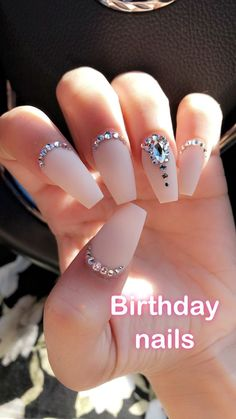 39 Birthday Nail Art Design That Makes Your Queen Style - Coffin Nai . - 39 Birthday Nail Art Design That Makes Your Queen Style – Coffin Nails – the - Nail Art Rhinestones, Rhinestone Nails, Bling Nails, Gold Nails, Bling Nail Art, White Nails, Nail Jewels, Jewel Nails, Gems On Nails