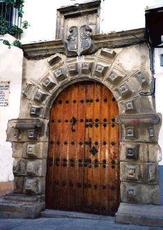 Portada renacentista en la casa de Gregorio López.