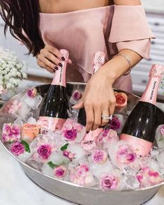 "89 Likes, 3 Comments - Tulle la la™ (@tullelalabox) on Instagram: ""What bridal shower is complete without a little bit of bubbly?✨If you're going to be popping…"""