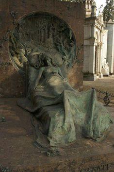 Cemetery Sculpture at Rest Cemetery Monuments, Cemetery Statues, Cemetery Headstones, Old Cemeteries, Cemetery Art, Graveyards, Angel Statues, Art Sculpture, Sculptures