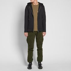 Hardy Blechman and the Maharishi brand continue to use graphics and patterns to highlight the beauty and importance of handcraft this season. The MA65 cargo pants are cut from Italian mil cotton and host multiple pockets to the front and reverse. These versatile trousers fasten with a Swiss riri zipper fly and boast functional details such as articulated knees and a adjustable cords at the waist and cuffs. 100% Italian Mil Cotton Crotch Stash Pockets Two Cargo Pockets Secure Back Pockets…