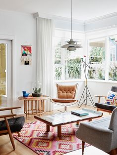 The Elsternwick home of Sonia Post and Glenn Masion. Production – Lucy Feagins / The Design Files. Living Room Designs, Living Spaces, Living Rooms, Small Living, Modern Living, Home Decor Instagram, House Tweaking, Decor Inspiration, Decor Ideas