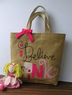 Handmade shopper jute tote bag by Apopsis on Etsy Jute Tote Bags, Tote Bags Handmade, Handmade Items, Reusable Tote Bags, Summer Tote Bags, I Believe In Pink, Carry All Bag, Hand Applique, Unique Bags