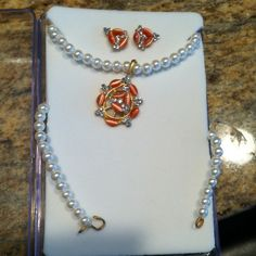 Costume Jewelry Earring and Necklace Set Great set! Jewelry Necklaces