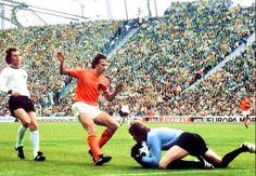 クライフ、ミュラー…1974年W杯の名場面に投票を!