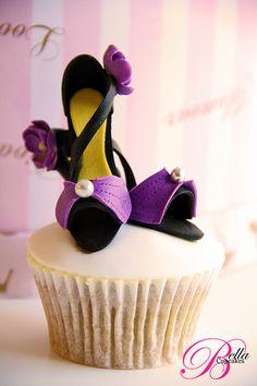 Fashionable cupcake! Gorgeous!!!!!