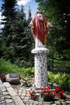bardo, 07.08.2012 , pomnik Jezusa bez głowy