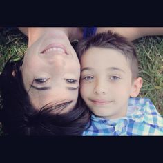Mom and son photo ideas, I want a pic like this but with both boys on either side:]