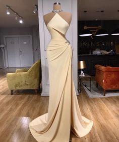 Glam Dresses, Black Prom Dresses, Event Dresses, Fashion Dresses, Formal Dresses, Stunning Dresses, Beautiful Gowns, Pretty Dresses, Fashion Clothes