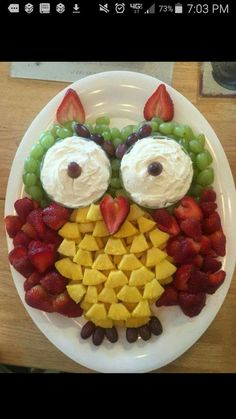 Take a look at Fruit Owls Snack Tray & sweet! May be best for an owl or a woodland & The post Take a look at Fruit Owls Snack Tray & sweet! May be best for a & appeared first on Food Monster. Party Trays, Party Snacks, Owl Party Food, Animal Party Food, Animal Themed Food, Party Platters, Party Recipes, Dinner Recipes, Owl Snacks