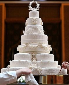 Royal Wedding Cake Replica - and how much did your wedding cake cost? Wedding Cake Photos, Amazing Wedding Cakes, Amazing Cakes, Cake Wedding, Cairns, Queens Wedding, Kate Middleton Wedding, Prince William And Kate, Love Cake